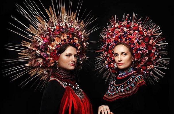 beautiful-traditional-ukrainian-flower-crowns-costume (12)