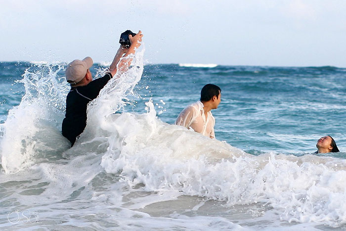 crazy-wedding-photographers-perfect-shot-behind-the-scenes (10)