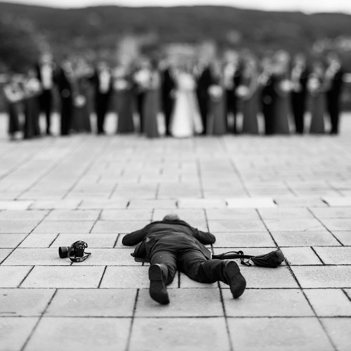 crazy-wedding-photographers-perfect-shot-behind-the-scenes (8)