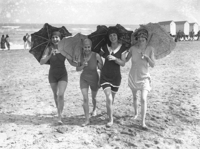modern-fashion-1920s-women-dress-clothing-style (12)