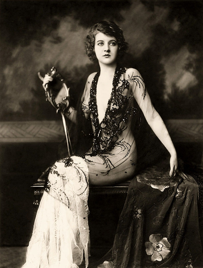 modern-fashion-1920s-women-dress-clothing-style (13)