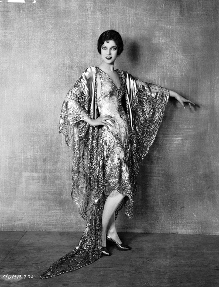 modern-fashion-1920s-women-dress-clothing-style (4)