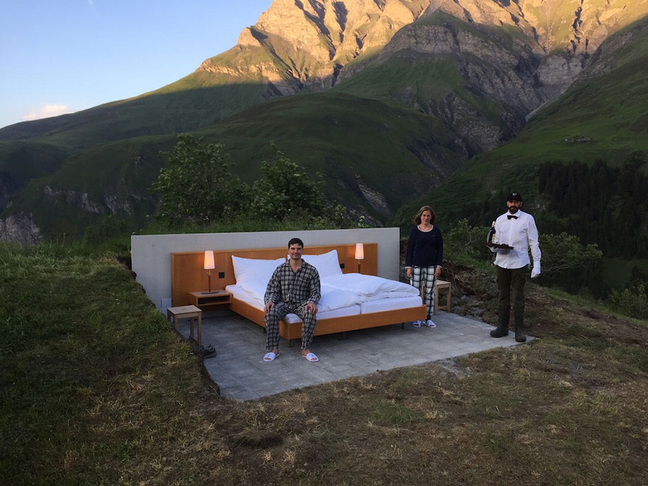 swiss-alps-null-stern-hotel-mountain-bed-suite (3)