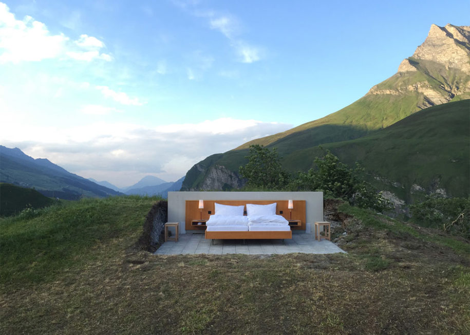 swiss-alps-null-stern-hotel-mountain-bed-suite (5)