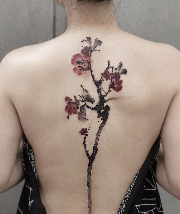 30个最好的脊柱纹身插图(29)