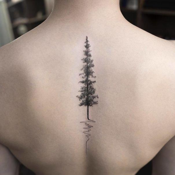 30个最好的脊柱纹身插图(1)
