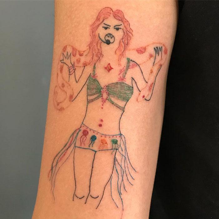 这位纹身艺术家没有高超的绘画技巧,但这也是她的客户选择她的原因插图(30)