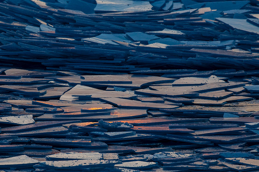 冰冻的密歇根湖仿佛魔幻世界插图(5)